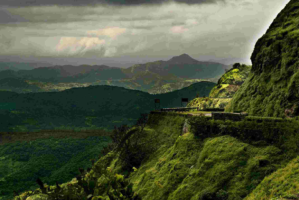 Rhythm Lonavala – Weekend Getaway to Lonavala This Monsoon!